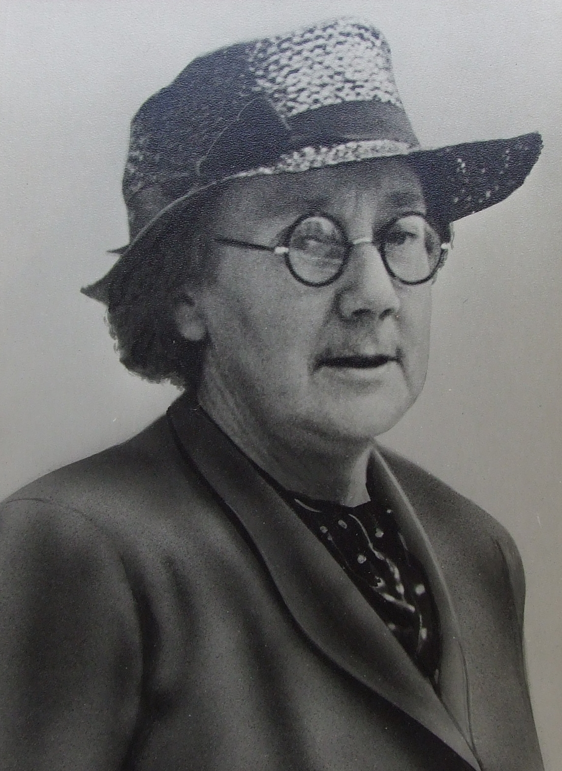 Dr. Dorothy Price (Image of MS SU-8-3-18 provided by RCPI) 2